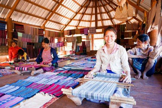Kataou Weavers of Ban Houay Houn